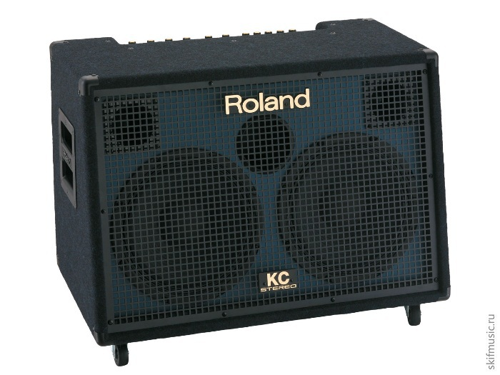 Клавишный комбоусилитель Roland KC-880: фото